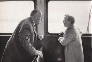 10_Lebeck, Mr. and Mrs. Hitchcock, Hamburg 1960.jpg