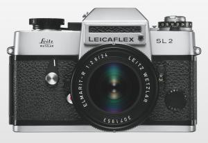 1974_Leicaflex-SL2_silver_Elmarit2-8_24_Front.png