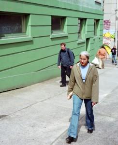 JeffWall_Figures-on-a-sidewalk_2008.jpg