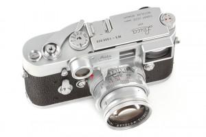 Leica M3 Chrom No. 1.000.000(C) WestLicht Photographica Auction.jpg