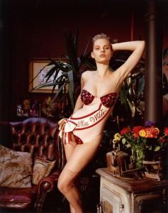 Dioni Tabbers, Miss Wilde.jpeg