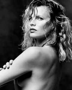 2_Kim Basinger.jpg