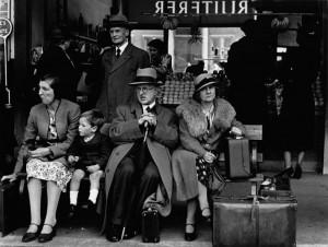 Victoria Bus Station,London,1939.jpg