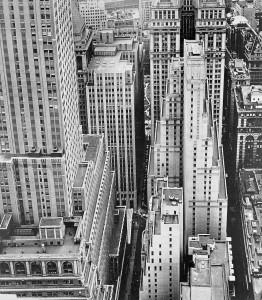 Feininger_Finanzbezirk, Pine Street, New York, 1940.jpg