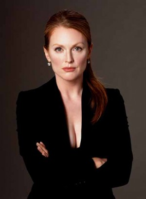 2_Greg Gorman_Julianne_Moore_Dublin 2004_copyright Greg Gorman.jpg