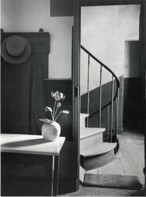 Kertesz_Andre_Chez_Mondrian_Paris_1926.jpg