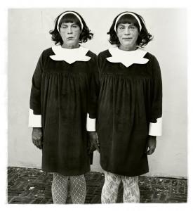 ©-Sandro-Miller---Diane-Arbus---Identical-Twins,-Roselle,-New-Jersey-(1967),-2014.jpg