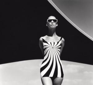 Brigitte-Bauer-Badeanzug-Sinz,-Vouliagmeni-1966.jpg