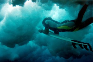 Surfing,-2006-©-Guillermo-Cervera.jpg