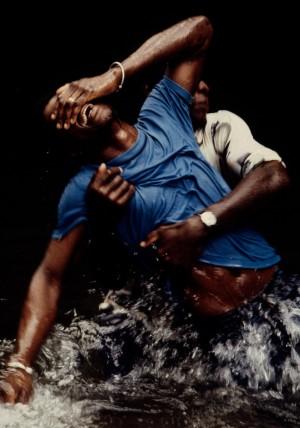 Leonore_Mau__Trance_im_Fluss__Grenada__1978__©_Nachlass_Leonore_Mau__S.jpg