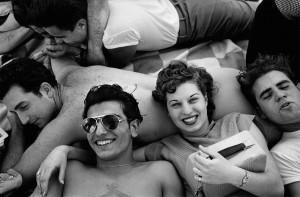 GTB_Harold_Feinstein_Coney_Island_Teenagers_1949_HD.jpg