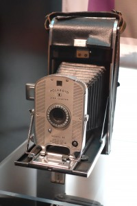 Polaroid_Land_Camera_Model_95_-_MIT_Museum_-_DSC03766.JPG