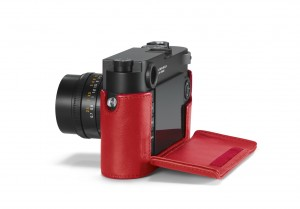 24022_Leica M10_Protector_red_open_RGB.jpg