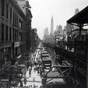 03_-VIVIAN-MAIER-NEW-YORK-1953-PALAZZO-PALLAVICINI-BOLOGNA-copyright-Vivian-Maier-Maloof-Collection-Courtesy-Howard-Greendberg-Gallery-New-York_web.jpg