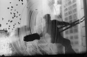 Harold-Feinstein_Window_Washer_1974_Courtesy-Galerie-Thierry-Bigaignon_web.jpg