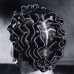 Untiteld Back Parting 1966 C JD Ojeikere Hairstyles.jpg