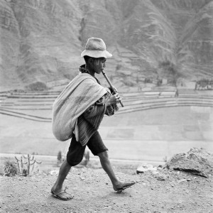 Peru. On the road to Cuzco, near Pisac, in the Valle Sagrado of the Urubamba river. May 1954..jpg