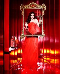 1_Ellen-von-Unwerth_Absolut-Vodka_Bloody-Mary_New-York_2009_copyright-Ellen-von-Unwerth_web.jpg