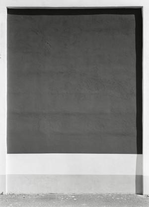 Lukas-Hoffmann,-Boxer-Strasse,-Berlin,-2017,-Gelatin-Silver-Print_web.jpg