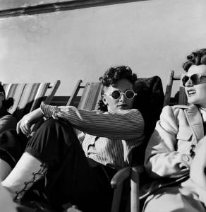 1_Werner Bischof, Girls, St. Moritz, Schweiz, 1948 (©Werner Bischof Estate Magnum Photos).jpg