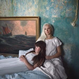 Snezhana von Buedingen - Sofie mit der Mutter.jpg