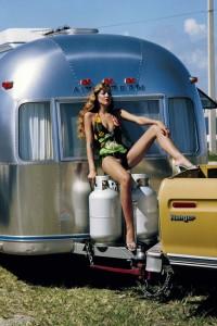 7_Helmut Newton_Jerry Hall_American Vogue_Miami_Florida 1974_copyright Helmut Newton Estate.jpg