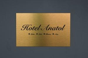 Hotel-Anatol_Das-Kleine-Schwarze_2019_web.jpg