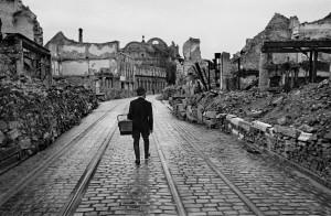 Germany.-Freiburg-im-Breisgau,-1945-©-Werner-Bischof_-Magnum-Photos-2019_web.jpg