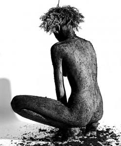 2_Karel Fonteyne, Sitting-Black Earth,1989_presse.jpg
