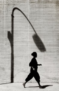 02_10. On the Run, Kwun Tong, 1964 © f22 foto space.jpg
