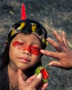 3_%22The little sister's makeup%22 - Ecuador © Kristyn Taylor.jpg