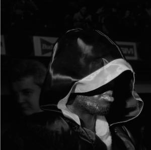 10_Larry Fink_Blue Horizon Boxing, Philadelphia, December 1994_copyright Larry Fink_courtesy Galerie Bene Taschen.png