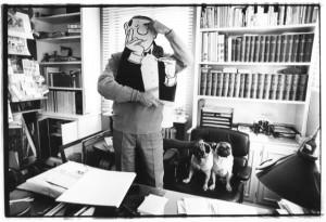 © stefan moses 'Loriot mit den englischen Möpsen Henry und Gilbert in seinem Studio, Haus Ammerland 1966.jpeg