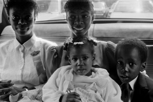 5_Joseph Rodriguez_TAXI Series_Family going to church, on a Sunday morning, NYC 1984_copyright Joseph Rodriguez_courtesy Galerie Bene Taschen.jpeg