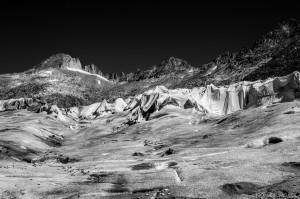 EagleWings_Cristo_wasnt_here_Rhone Glacier©2016Nomi_Baumgartl.jpg