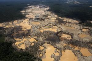 10_Mining_Amazonia_Peru.jpg