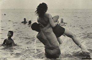 © The Estate of Garry Winogrand, courtesy Fraenkel Gallery, San Francisco.jpg