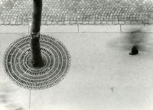 o_st_presse_sammlung kicken_Steinert_Ein_Fuss_Gaenger_1950.jpg