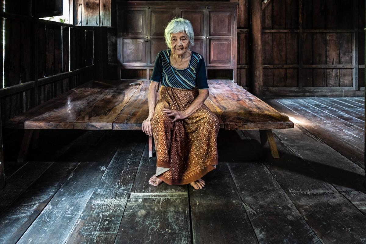 Lou Casanova - Cambogia / Old Woman | LFI Galerie